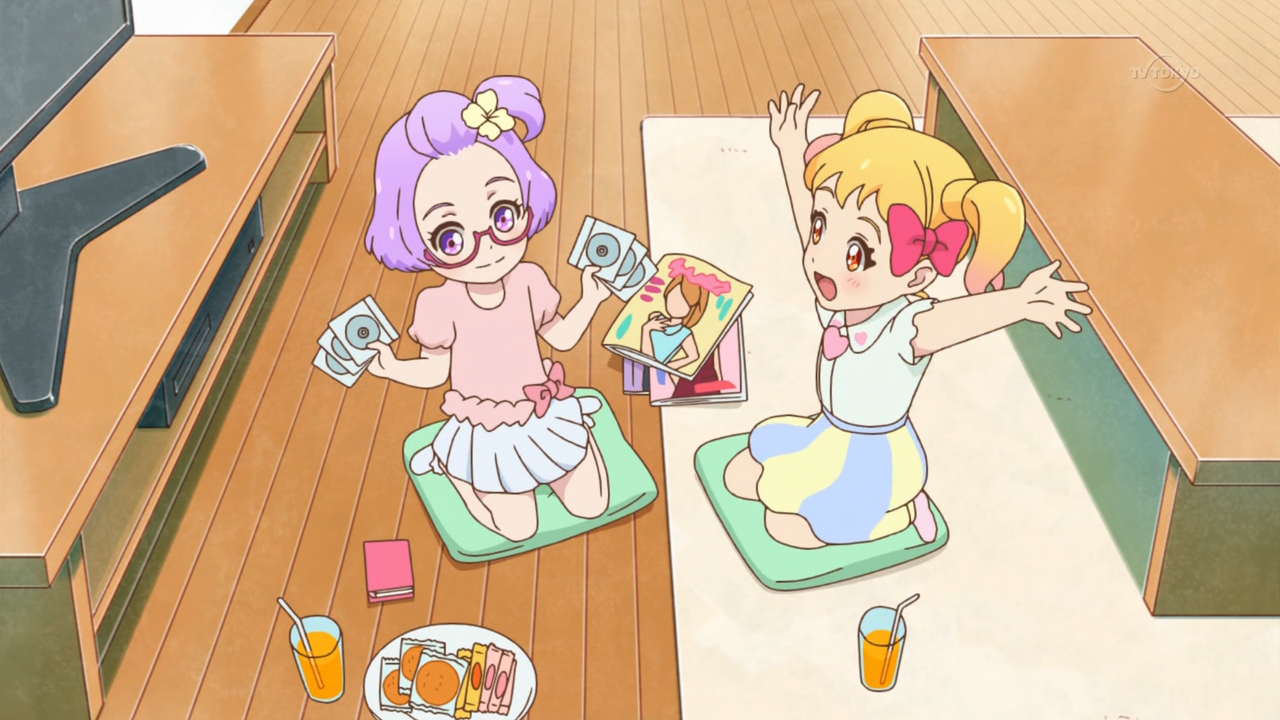 Yay, let's watch Aikatsu DVDs together!